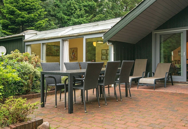 Spacious Holiday Home in Sikleborg With Roofed Terrace, Silkeborg, Balkon