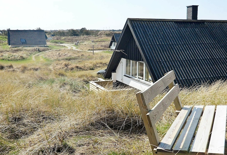 Reposeful Holiday Home in Ringkøbing With Roofed Terrace, Ringkøbing, Außenbereich