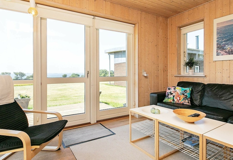 Luxurious Holiday Home in Faaborg on Natural Plot, Faaborg, Phòng khách