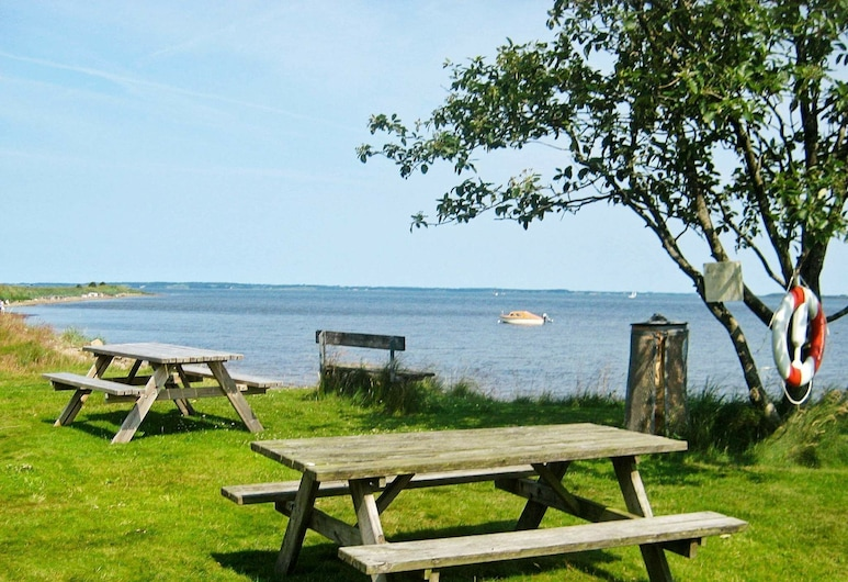 Luxurious Holiday Home in Hojslev Near Sea, Hojslev, Property Grounds