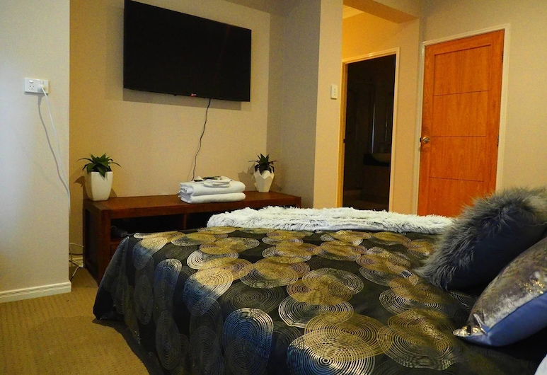 Master Suite With Private Entrance, Mount Ommaney, Divers