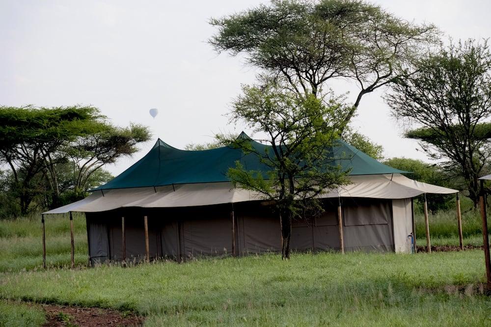 Family Tent - Garden View