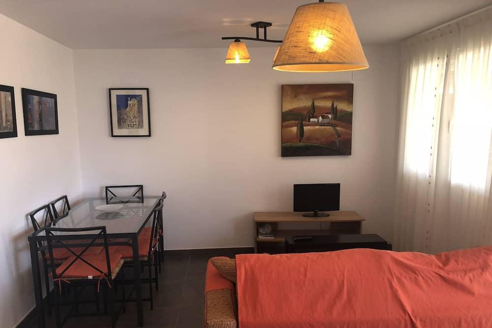 Apartment, 2 Bedrooms, Pool View - Ruang Tamu