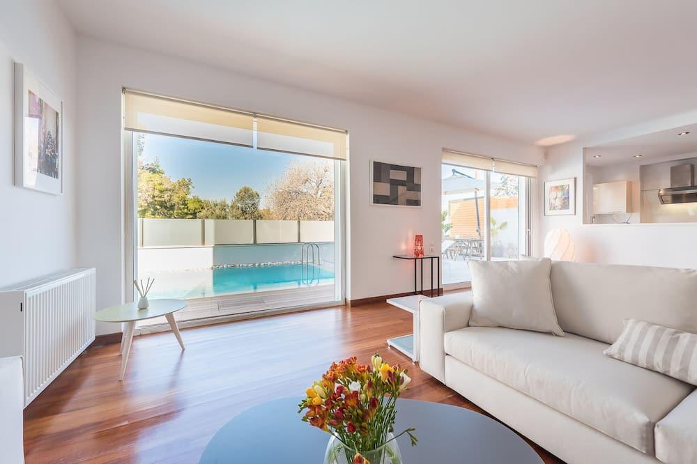 Villa, četras guļamistabas - Galvenais attēls