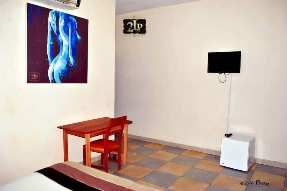 Standarta numurs (2 La Place) - Televizors