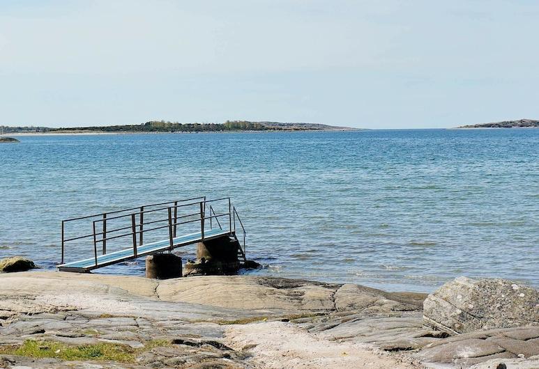 4 Star Holiday Home in Frillesås, 弗里勒索斯, 海灘