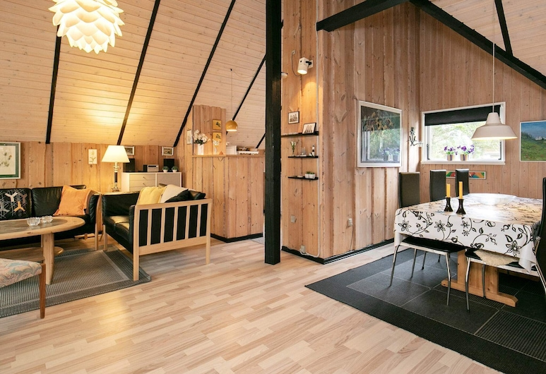 Alluring Holiday Home in Blåvand With Sauna, Blavand