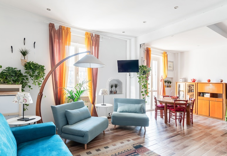 Parco della Tesoriera Apartment with balcony, Turin, Studio, Living Area