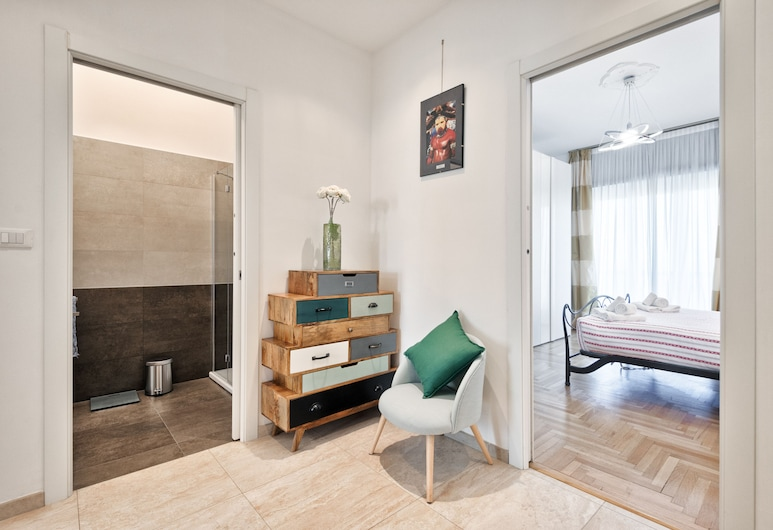Mirafiori Alps View Flat, Turin, Apartment, 1 Bedroom, Living Area