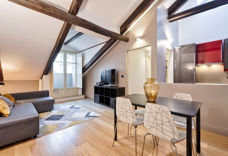 Stylish Apartment in the heart of Torino, Turin, Apartment, 2 Bedrooms, Living Area