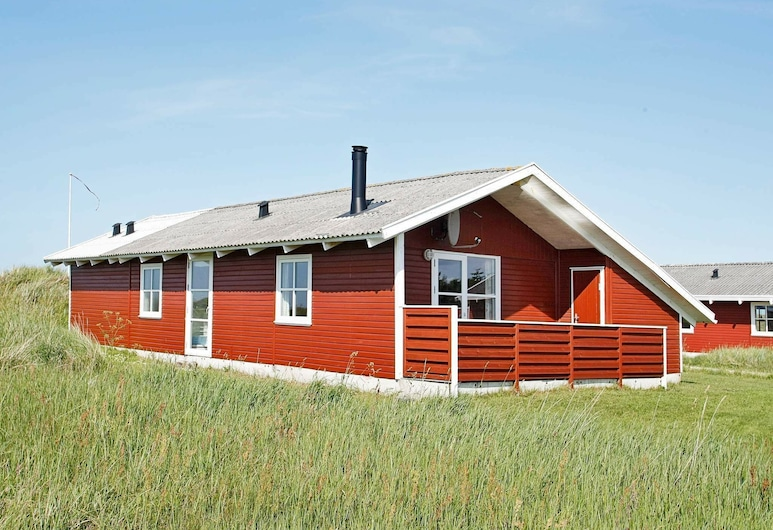 Cozy Holiday Home in Frøstrup With Ocean View, Frostrup