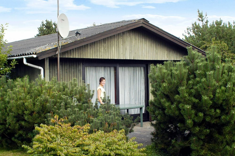 Picturesque Holiday Home in Børkop Near Sea