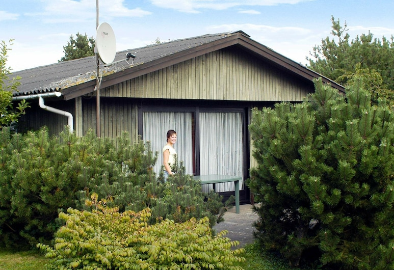 Picturesque Holiday Home in Børkop Near Sea, Borkop