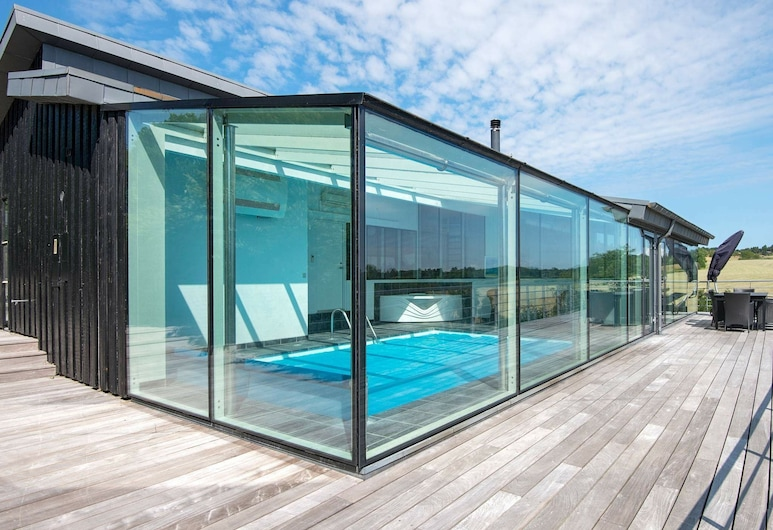 Opulent Holiday Home in Jutland With Swimming Pool, Knebel