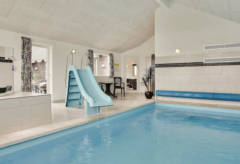 Spacious Holiday Home in Harboøre With Swimming Pool, Harboore, Bazén