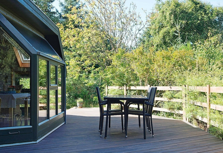 Pleasant Holiday Home in Ringkøbing With Barbecue, Ringkobing, Balcón