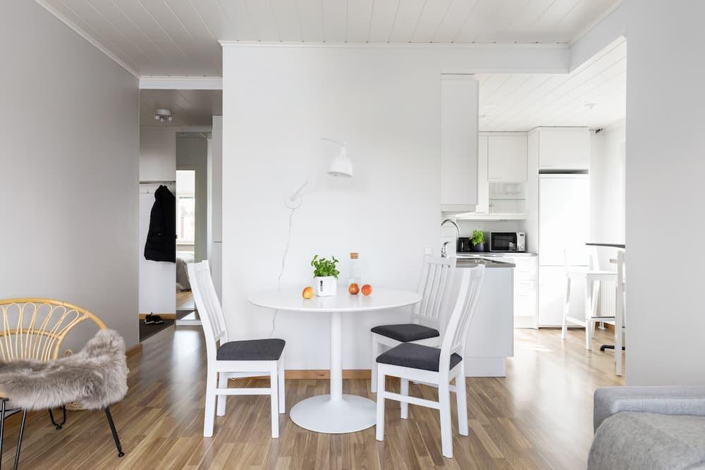 Huoneisto - Ruokailu omassa huoneessa