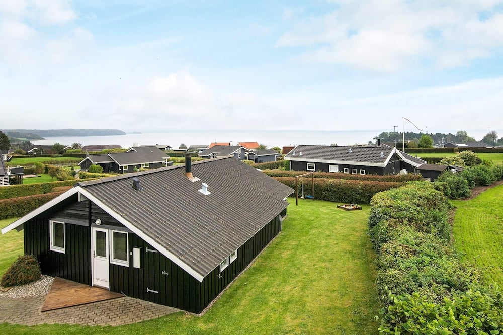 Serene Holiday Home in Ronde With Sauna