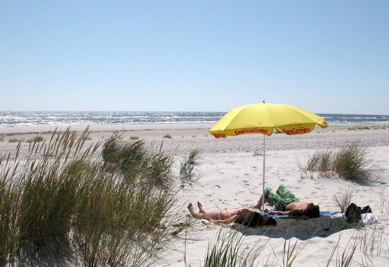 Luxurious Holiday Home in Nexø Bornholm With Swimming Pool, Nexo, Praia