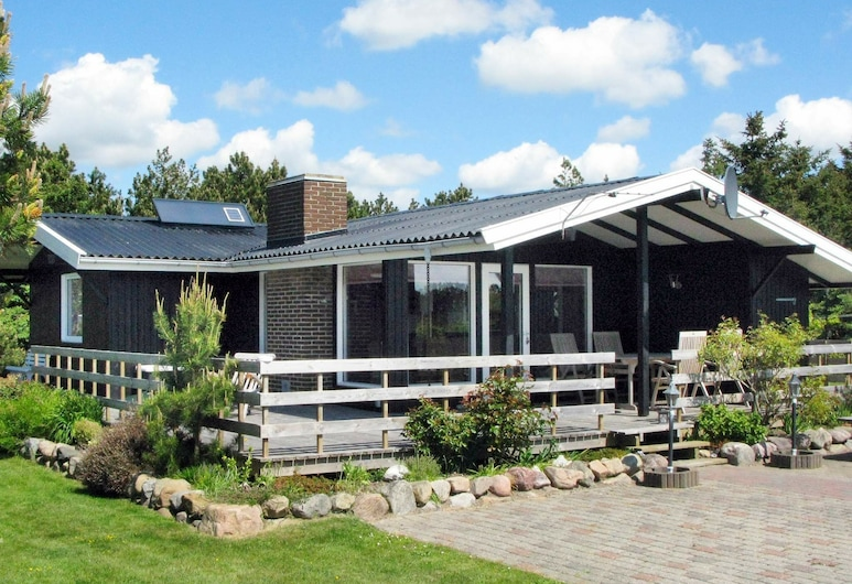 Spacious Holiday Home in Hurup With Terrace, Hurup Thy
