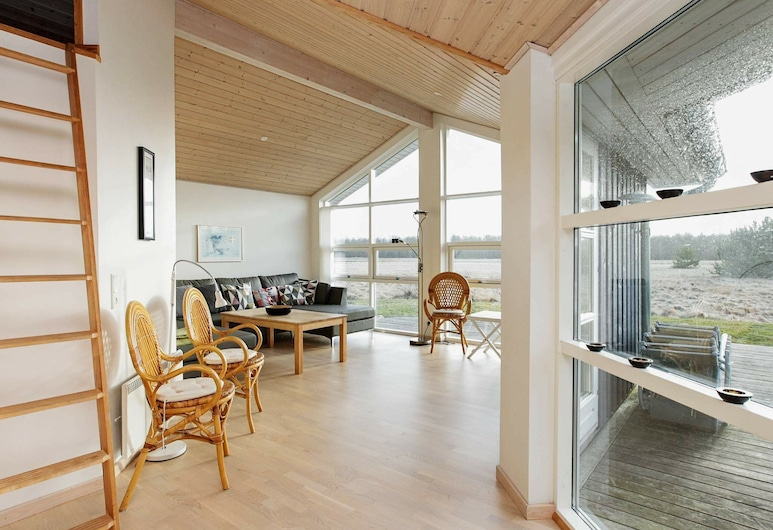 Modern Holiday Home in Jerup With Sauna, Jerup, Wohnzimmer