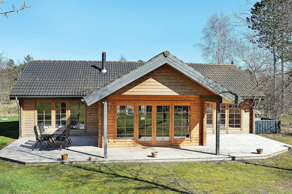 Luxurious Holiday Home in Hadsund With Indoor Whirlpool