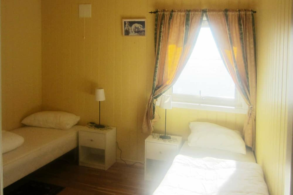 4 Star Holiday Home in Storfosna