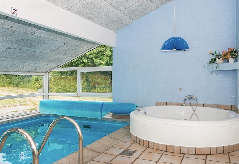 Fabulous Holiday Home in Ebeltoft With Indoor Pool, Ebeltoft, Pool