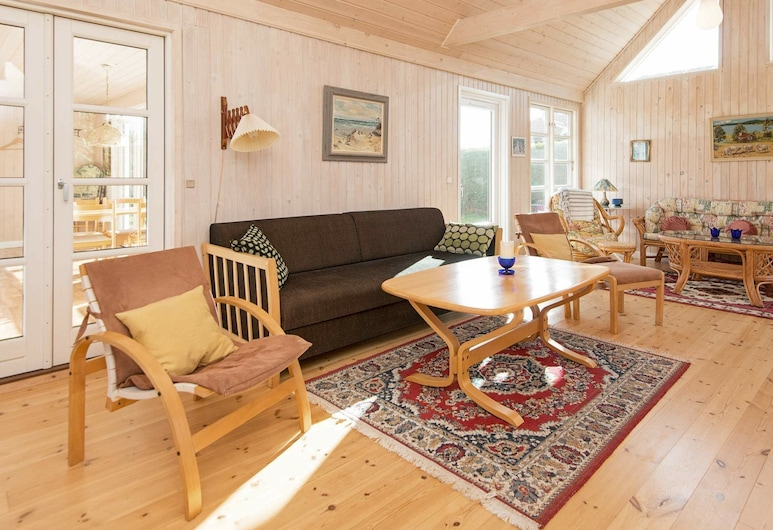Lovely Holiday Home in Jutland Midtjylland With Garden, Grenaa, Living Room