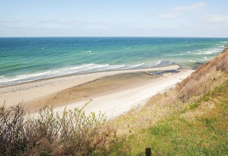 Beautiful Holiday Home in Hundested With Terrace, Hundested, Beach