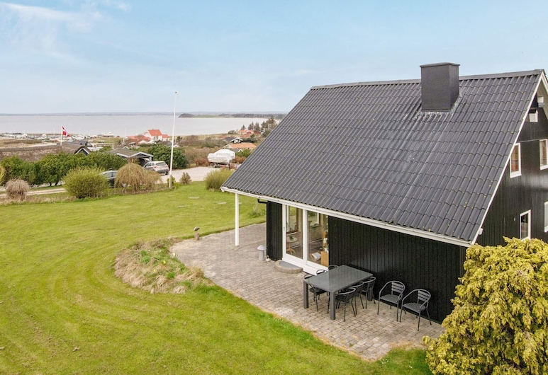 Fantastic Holiday Home Near Knebel With Bay-view, Knebel