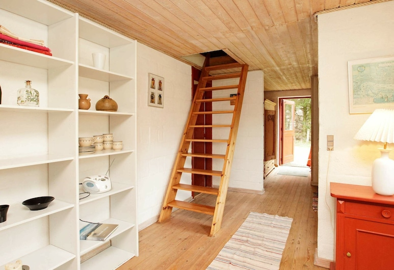 A Compact Holiday Home in Ulfborg by the Sea, Ulfborg, Room