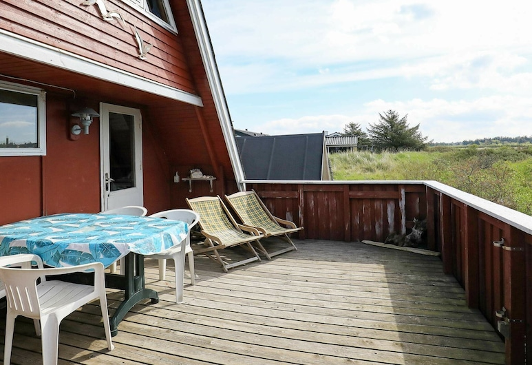 Modern Holiday Home in Hirtshals With Terrace, Hirtshals, Balcony