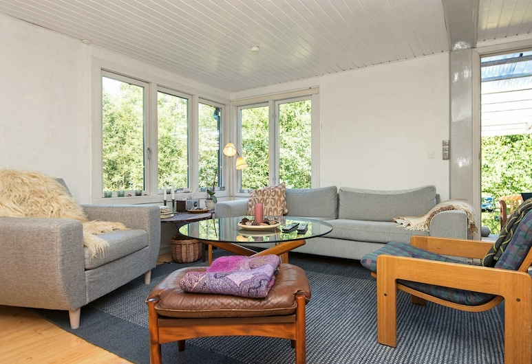 Gorgeous Holiday Home in Brædstrup With Terrace, Braedstrup, Salon