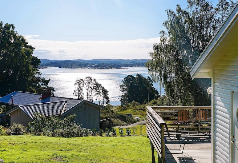 4 Person Holiday Home in Höviksnäs, 夫克斯納斯