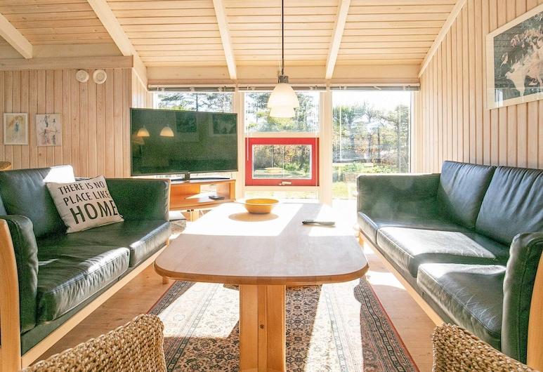 Uniquely Designed Holiday Home in Hals Near Sea, Hals, Salon