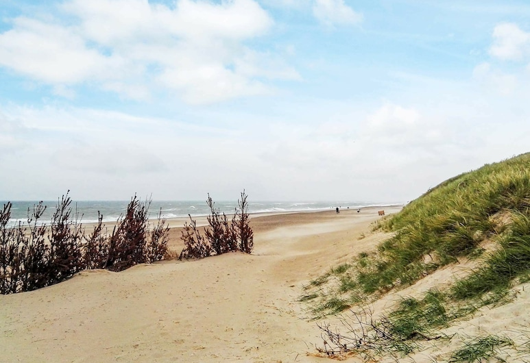 Appealing Holiday Home in Harboore Near Sea, Harboore, Paplūdimys