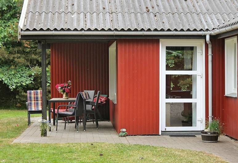 Lush Holiday Home in Blavand With Terrace, Romo