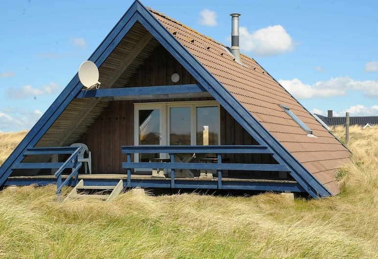Boutique Holiday Home in Ringkøbing With Roofed Terrace, Ringkobing