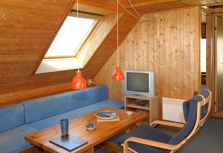 Boutique Holiday Home in Ringkøbing With Roofed Terrace, 灵克宾
