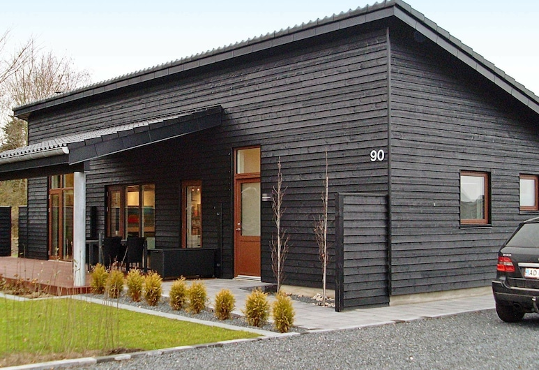 Chic Holiday Home in Jutland With Roofed Terrace, Borkop