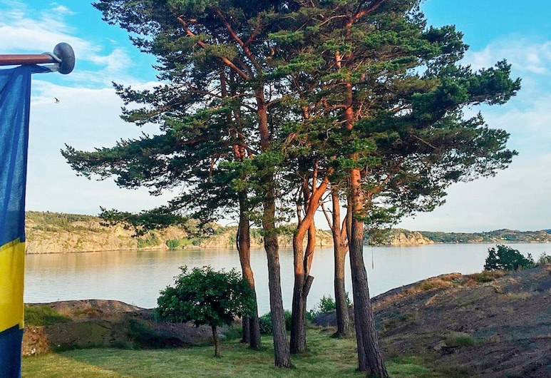 4 Star Holiday Home in Lysekil, Lysekil