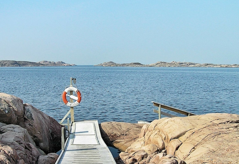 4 Star Holiday Home in Lysekil, Lysekil, Plage