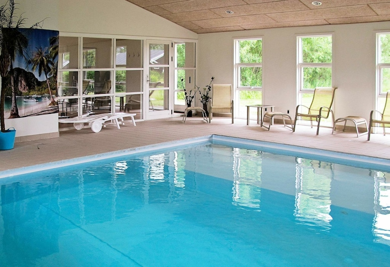 Cozy Holiday Home in Hals With Swimming Pool, Hals, Pool