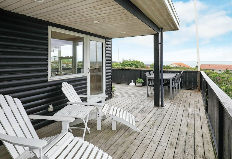 Luxurious Holiday Home in Esbjerg With Sea Nearby, Esbjerg, Balcony