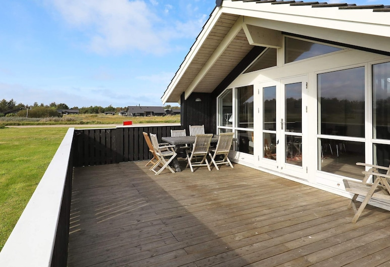 Secluded Holiday Home in Hirtshals With Sauna, Hirtshals, Balcony