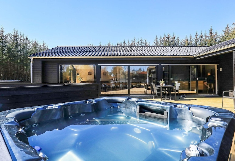 Luxurious Holiday Home in Ålbæk With Whirlpool, Aalbaek, Exterior