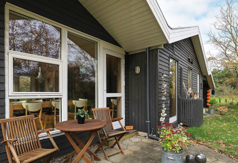 Traditional Holiday Home in Jutland With Terrace, Thyholm, Balcón