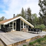 Alluring Holiday Home in Ålbæk With Sauna
