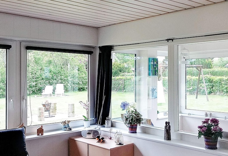 Cosy Holiday Home in Jutland With Terrace, Nordborg, Room